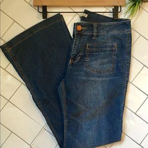 CAbi Jeans Medium Wash Flare Leg Size 6 Style 762R